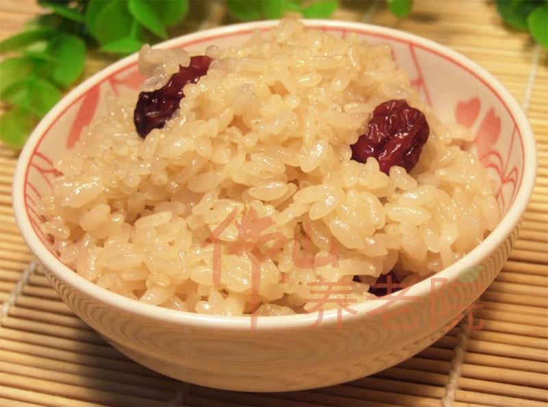 老人养生五谷杂粮之糯米